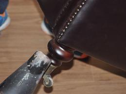 真皮沙发脚补漆修复对比图后